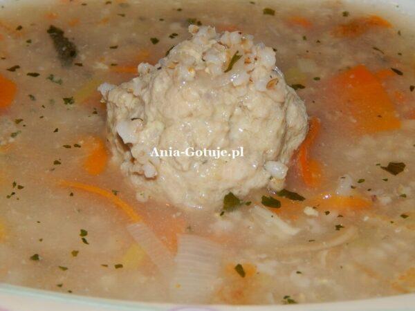 Zupa krupnik z gałkami mięsnymi