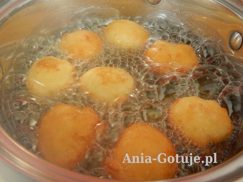 pączki usmażone na rumiano