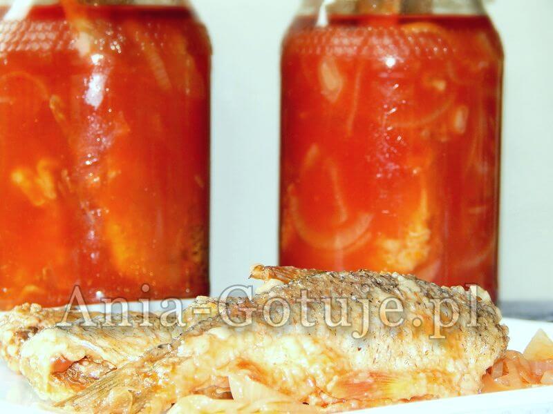 ryba w zalewie octowo pomidorowej
